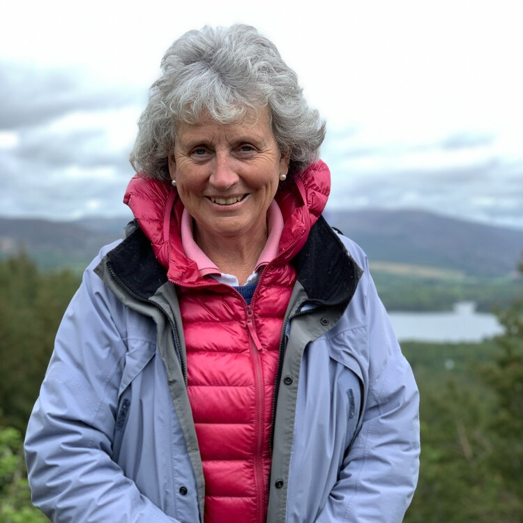 Liz Lister   A proud Scot, Liz came to guiding after a career in education. She has to pinch herself on a regular basis to believe that she's landed her dream role - introducing visitors to Scotland through bespoke tours and a travel planning service.  jaggy-thistle.com